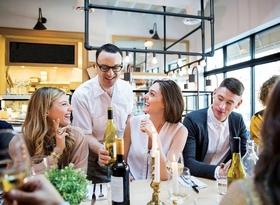 waiter-diners-restaurant