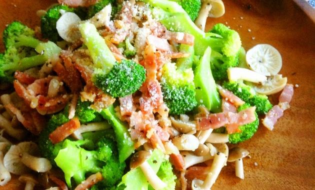 salad-broccoli-kinoko_ec