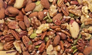 mixed-nuts-diet