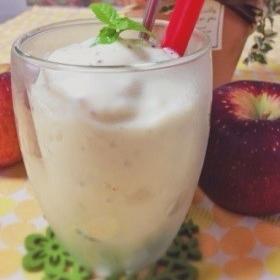 apple-yogurt-smoothie