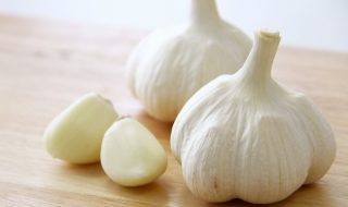 eat-garlic-wisely